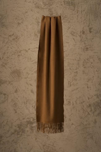 basel_vicuna_scarf_hanging_1320241888