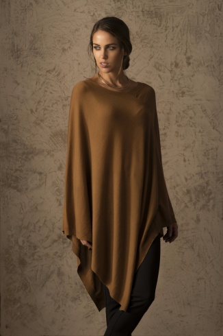 beryl_poncho_vicunia_camel_women_front_2